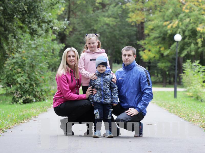 Рожков с семьей